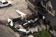 美 40대 가장, 경비행기 훔쳐 집으로 '자살 비행'