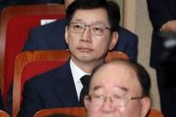 [포토] '영장 기각' 김경수, 김대중 전 대통령 서거 9주기 추도식 참석