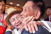 """""""왜 이리 늙었냐"""" """"통일 되면 단 1분이라도 같이 살…"""