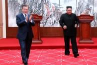 """김정은 """"핵무기없는 평화의 땅 노력 확약…서울방문 …"""