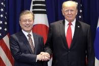 한미정상, 북미정상회담·종전선언 깊게 논의…대북제…
