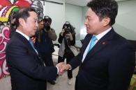 김병준, 잠룡들과 연쇄 회동… '보수 대통합' 속도전…