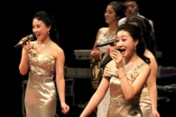 [포토] 금강산관광 시작 20주년…북한 예술단의 축하공…