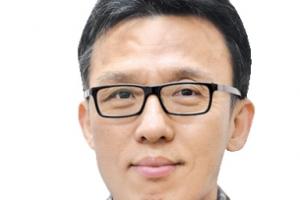 '대권주자' 이재명과 지역화폐 논쟁