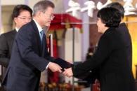 [포토] 고 노회찬 의원에게 대한민국 인권상 수여하는…