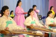 [포토] 북한 김정일 회고음악회를 빛낸 여성 연주자들