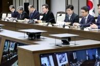 日 사실왜곡에 적극 대응…정부, 로키 모드서 선회