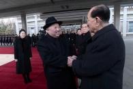 [포토] 김정은 위원장 4차 방중…환송하는 北 간부들