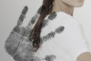 """""""날 버려?"""" 한 달 만난 前 여자친구 성폭행…징역 3년 6개월"""
