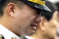 [포토] 끝내 터진 눈물