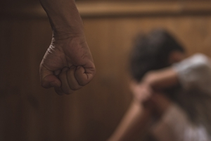 생후 9개월부터 맞고 자란 7살…앞니 빠질 정도로 때린 아버지