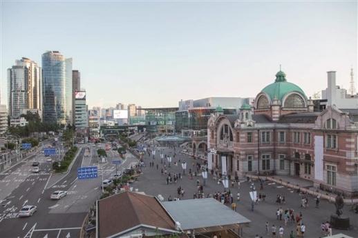 서울미래유산 서울역 고가도로 7017에서 바라보이는 옛 서울역사는 영화의 여주인공이 늘 스쳐 지나가는 곳이다.