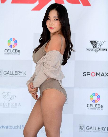 [포토] '머슬퀸' 허고니, 볼륨몸매 뽐낸 화보 촬영 현장