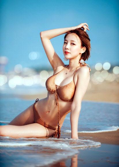 [포토] 모델 심채원, 잘록한 허리 'S라인 몸매'
