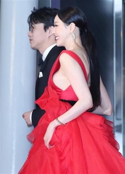 [포토] 골든디스크, 이다희 '아슬아슬한 드레스'