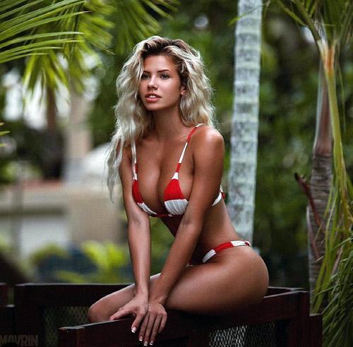 [포토] '가장 섹시한 여성' 모델의 아찔한 볼륨감