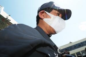 """김봉현 측근 """"'이상호 접대' 사진, 김 전 회장이 제보 지시"""""""