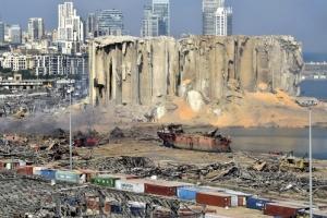 베이루트 대폭발 100명 사망… 도시 절반 날아갔다