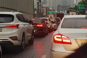 중부·호남에 돌풍 동반 강한 비…도로 곳곳 통제에 출근길 교통 대…