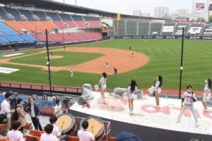 문체부,경기장 관중 입장 10%에서 30%로 확대
