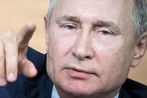 """러시아 """"세계 최초 코로나19 치료제 1차분 생산"""""""
