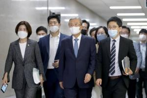 통합 지지율 36.5% vs 민주 33.4%…朴 탄핵 이후 첫 역전