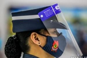 """마스크로는 부족?…필리핀 """"대중교통서 얼굴 가림막도 착용해야"""""""