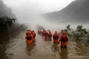 의암댐 사고 열흘째 발견 못한 실종자 2명…속 타는 가족들