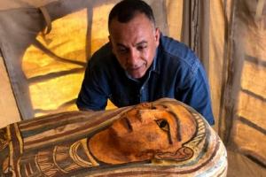 이집트 사카라의 11m 깊이 우물에서 2500년 된 27개의 관 나와