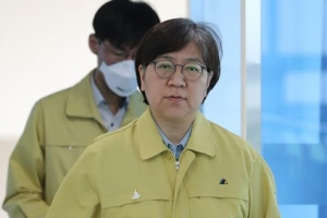 'K방역' 정은경, '영화계 비전' 봉준호, 美타임지 '영향력 있…