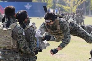 '용감무쌍 대한민국 국군'…국군의 날 기념행사