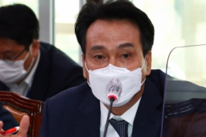 """안민석 """"종전선언 안해 피격""""에 김근식 """"천지분간 못해, 막말 사…"""