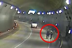 길 잃고 터널 헤매는 할아버지 도운 운전자