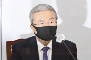 김종인, 독단적 당 운영에… 전·현직 중진들 견제구