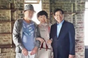 '박원순 팔짱' 진혜원, 2차 가해 논란 속 동부지검행…여성장관 …