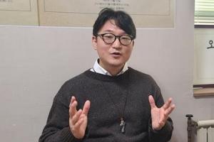 """'성소수자 축복기도' 징계… """"사랑 실천도 죄가 되나요"""""""