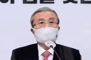 """""""4명 30평 충분, 허가 못내줘"""" 사례 들며 김종인 전셋값 비판"""