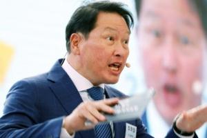 '열강하는' 최태원 SK그룹 회장