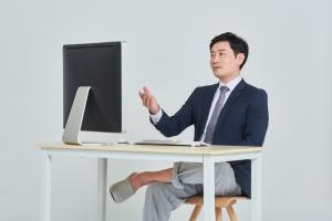 """코로나19 재택근무로 여유?…조사 결과 """"근무시간 오히려 늘었다""""…"""