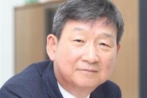 LGU+ 새 수장 황현식… 첫 내부 승진, 하현회 부회장은 36년 만에 …
