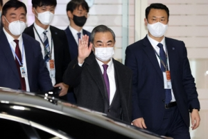 한국 온 中 왕이, 2박 3일 광폭행보 왜