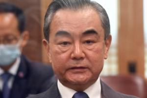 """왕이 中 외교부장, 마지막 날까지 '광폭행보'…""""한반도 진정한 …"""
