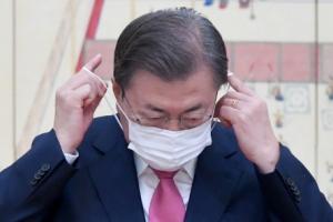 더는 끌 수 없다는 文, 尹 징계 직진… 여권 '秋 명예퇴진' 솔솔