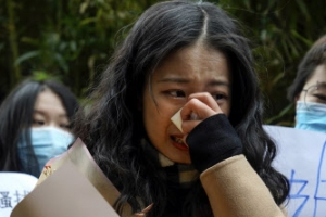 中 TV스타 6년 만에 법정 세운 '인턴'…중국 '미투' 재판에 쏠…