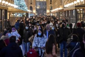 """""""이동제한 풀겠다"""" 매일 수만명 확진에도 거꾸로가는 유럽"""