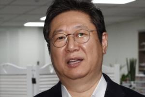 황희 문체장관 후보, 秋아들 '당직사병 실명 공개' SNS 지우기 논…
