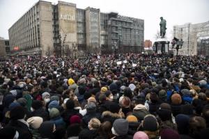 """""""나발니 석방하라"""" 들끓는 러… 누를수록 커지는 반정부 시위"""