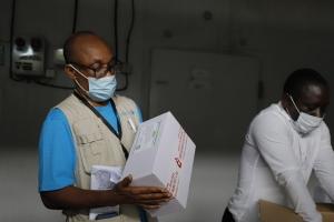 코백스 백신 아프리카 가나 도착… 저소득국 접종 시작