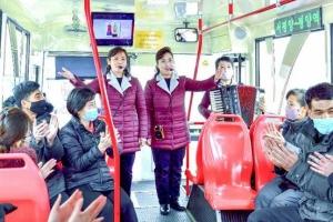 북한, 출근길 대중교통에서 '해설사업'