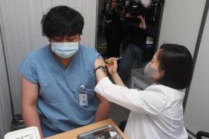 백신 이틀간 2만명 접종… 중증 이상 없었다